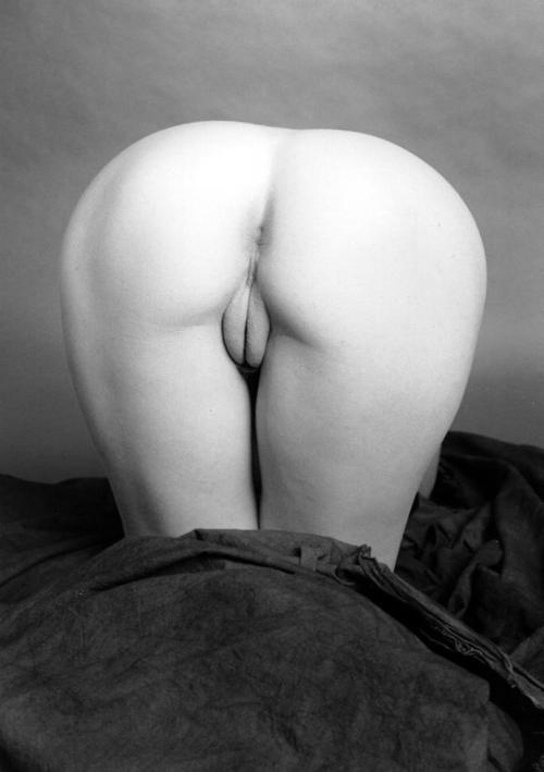 Selena Gomez Caught Nude